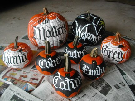 Halloween pumpkins, Decorated pumpkins, Pumpkins with calligraphy, calligraphy, hand lettering